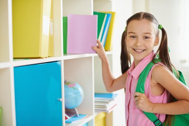 Cho trẻ tiếp xúc với tiếng Anh sớm để dạy trẻ học tiếng Anh