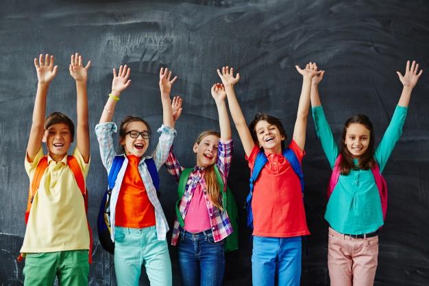 Trẻ tham gia học tiếng Anh tại trung tâm